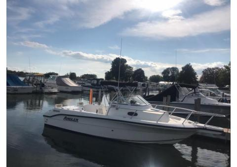 21' Angler with 1 Year Warranty on Motor (Transferable) and Trailer